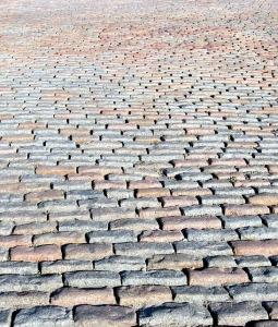 cobblestones-426669_640