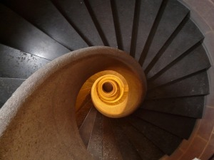 stairs-8443_640